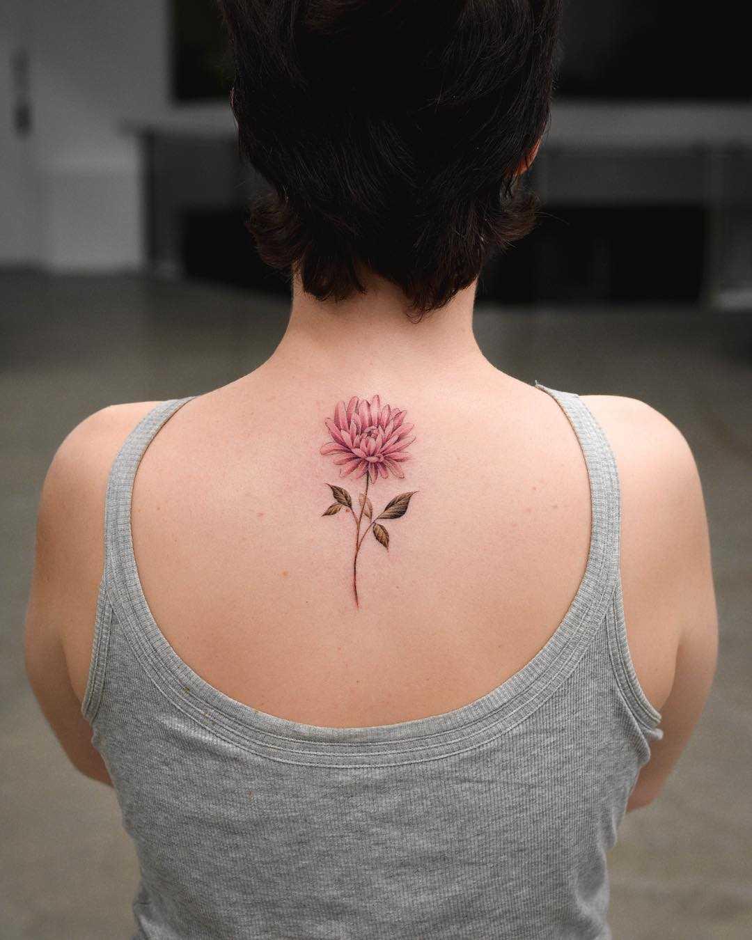 Tendance Tattoo 95 Magnifiques Idees De Tatouage De Chrysantheme A Afficher Sur Votre Corps Flashmag Fashion Beauty Lifestyle Magazine